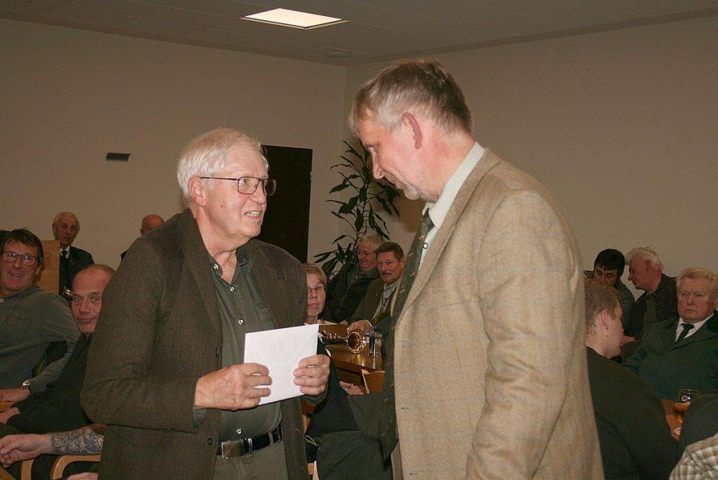 Für seine 6-Jährige Schriftführertätigkeit bekam Rainer Willgerodt ein Anerkennungspräsent ausgehändigt.